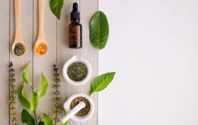 Prirodni serum za lice protiv bora - Royal Balm