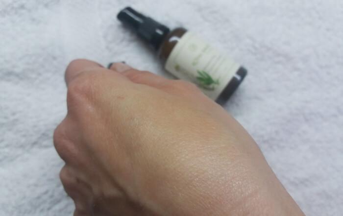 Royal Balm - Hidrantna krema za mešovitu kožu lica - trag na koži